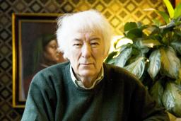 photo of Seamus Heaney